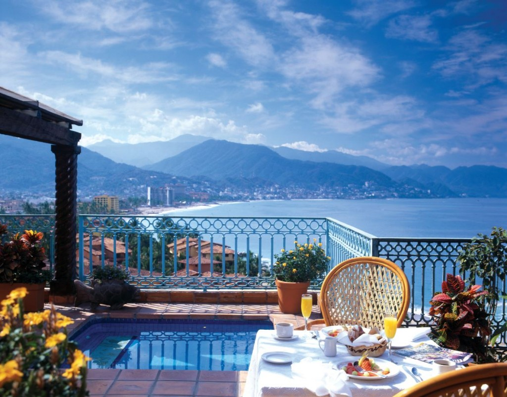 And that view makes a pretty nice side dish at Fiesta Americana Puerto Vallarta