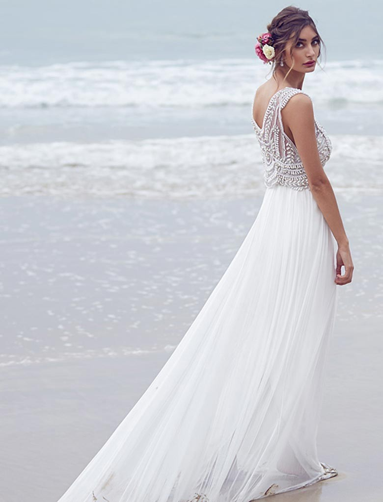 7 Tips for Finding Your Perfect Destination Wedding Dress - Weddings ...