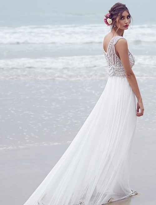 963864a8fb79 7 tips for finding the perfect destination wedding dress