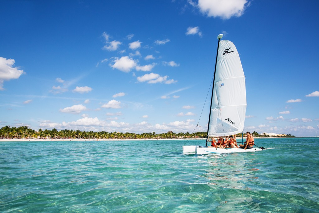 A family sailing excursion at Barcelo Maya