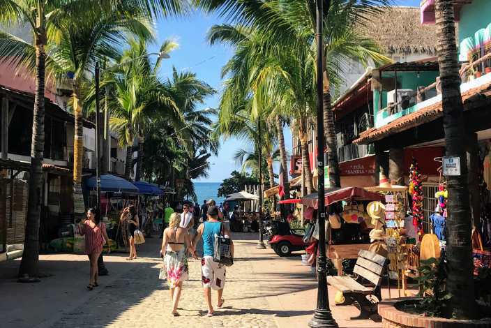 We're going to layout for you exactly how Puerto Vallarta got its place in romance and our top recommendations where to stay. Let's get to it.