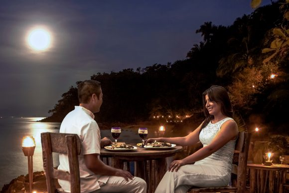 Continue your candlelight experience to dinner while beachside under the stars. Here you'll have practically any meal choice: steak, chicken, seafood, salad, rice pudding.