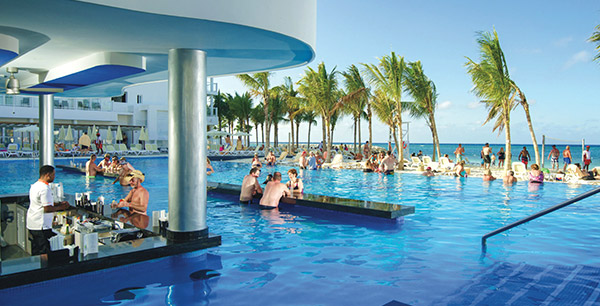 RIU Hotels & Resorts are an all-inclusive, long-time Funjet favorite. Let's break down the differences between RIU Classic Hotels and RIU Palace Hotels.