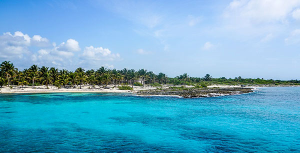 Let's talk about why the Yucatán Peninsula should be your go-to for an adventurous fall vacation. Here are our three reasons you'll love the Yucatán.