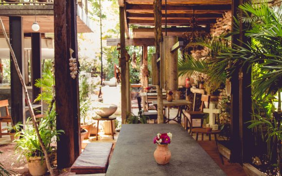 Here is your one-stop shop for outdoor dining recommendations in the Dominican Republic, Jamaica, Mexico, and Hawaii.  We asked the experts on their recommendations so you can take these fool-proof options into consideration during your vacation planning.